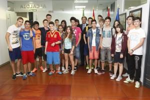 Alcalde recibe a alumnos del Máximo Trueba 2
