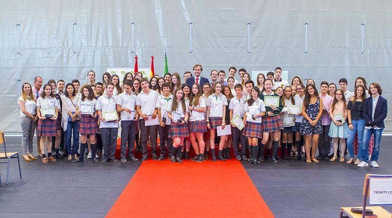 Más de 60 alumnos de secundaria premiados por sus expendientes o compromiso social