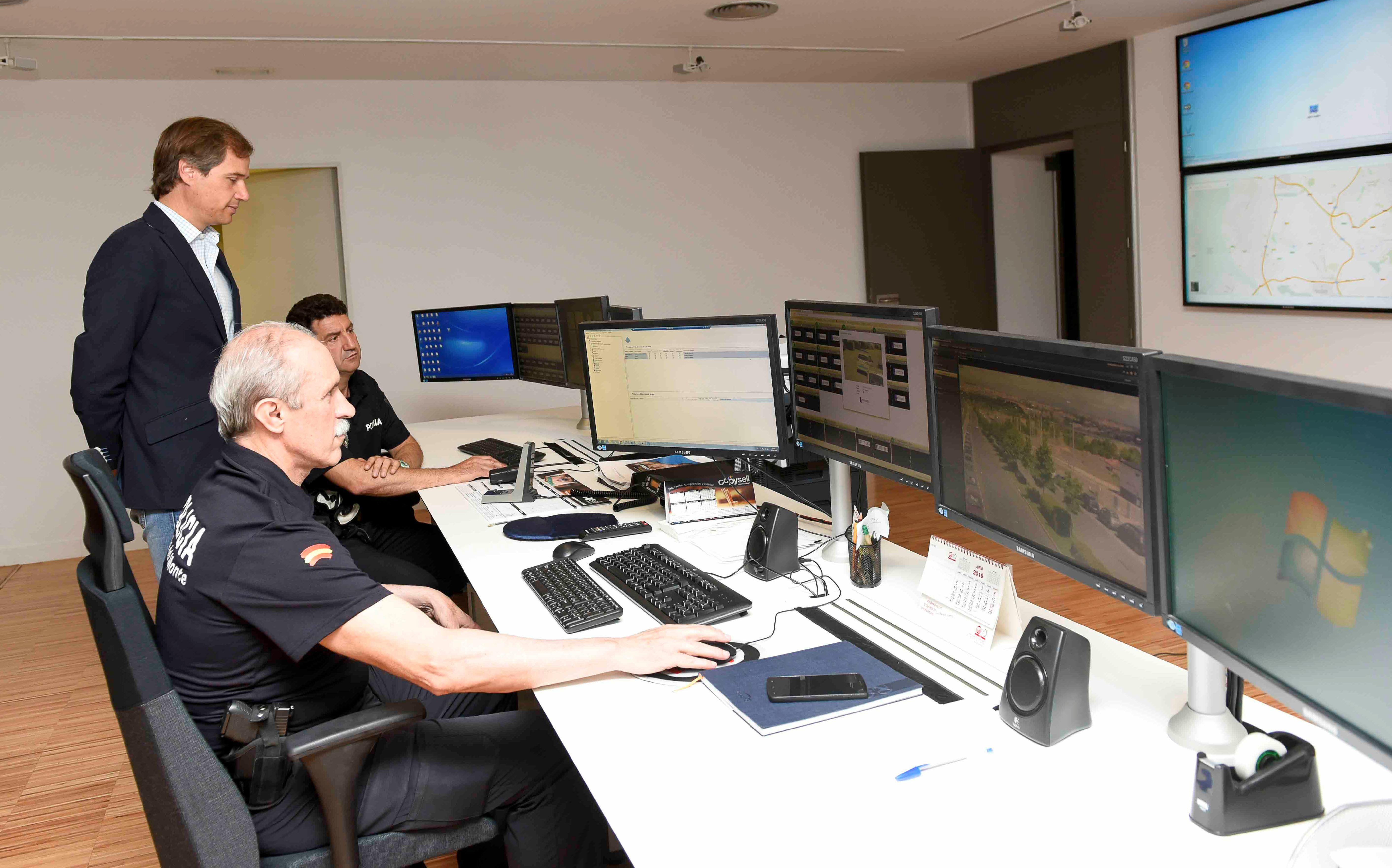 Sala de control del sistema de videovigilancia de Boadilla