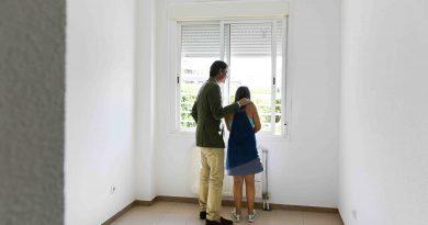 El Ayuntamiento hace entrega de viviendas en arrendamiento a falimilias con necesidades especiales
