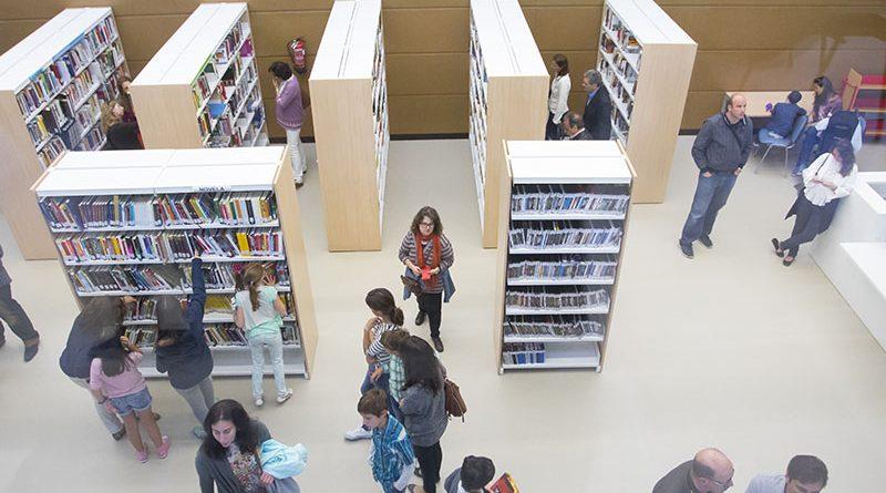 Vista de la biblioteca municipal por dentro