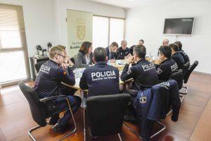 Policia Local de Boadilla del Monte reunida con el Alcalde en el Ayuntamiento