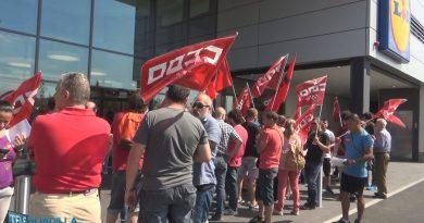 Manifestación en el Lidl de Boadilla del Monte