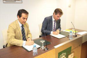 José Antonio Nieto Ballesteros y Terol firman un acuerdo contra la violencia de géneroJosé Antonio Nieto Ballesteros y Terol firman un acuerdo contra la violencia de género