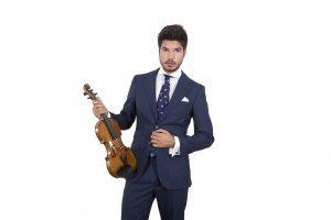Paco Montalvo posa con su violín