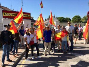 Vecinos homenajean a la Guardia Civil en Boadilla