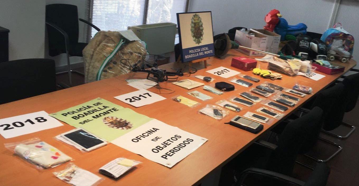 La polic a de boadilla gestiona la oficina de objetos perdidos teleboadilla noticias de - Oficina de objetos perdidos ...