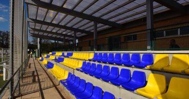 Gradas del campo 2 del Polideportivo Municipal Ángel Nieto de Boadilla del Monte