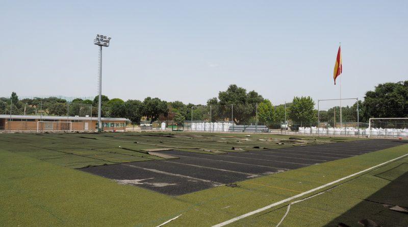 Obras renovación césped campo 2 polideportivo Angel Nieto