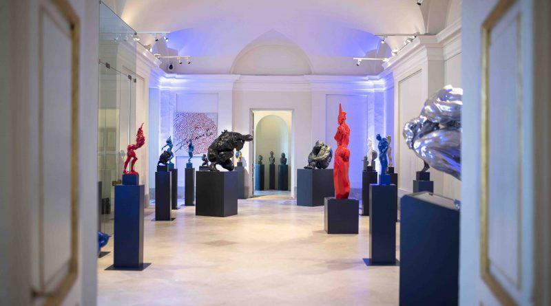 El Palacio acoge hasta el 16 de octubre la exposición Original del escultor Víctor Ochoa