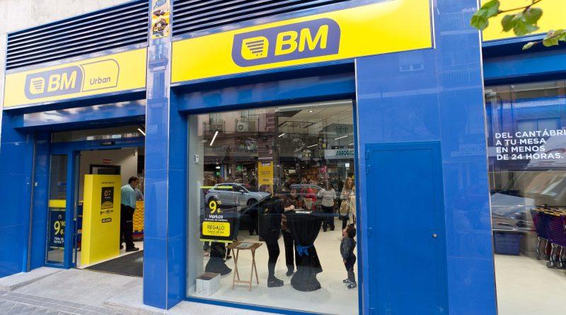 BM supermercados. Tienda de la calle cartagena en Madrid