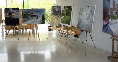 Treinta y siete pintores participaron ayer en el XXIV Certamen de Pintura Rápida de Boadilla