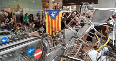 Teleboadilla. Manifestaciones en el aeropuerto de El Prat de Barcelona