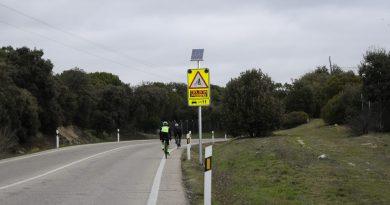 Teleboadilla. Boadilla instala un sistema pionero de detección de ciclistas en zonas de escasa visibilidad de la M-516