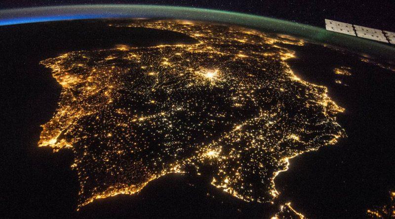 Teleboadilla. Contaminación lumínica en España. Vista aérea de España