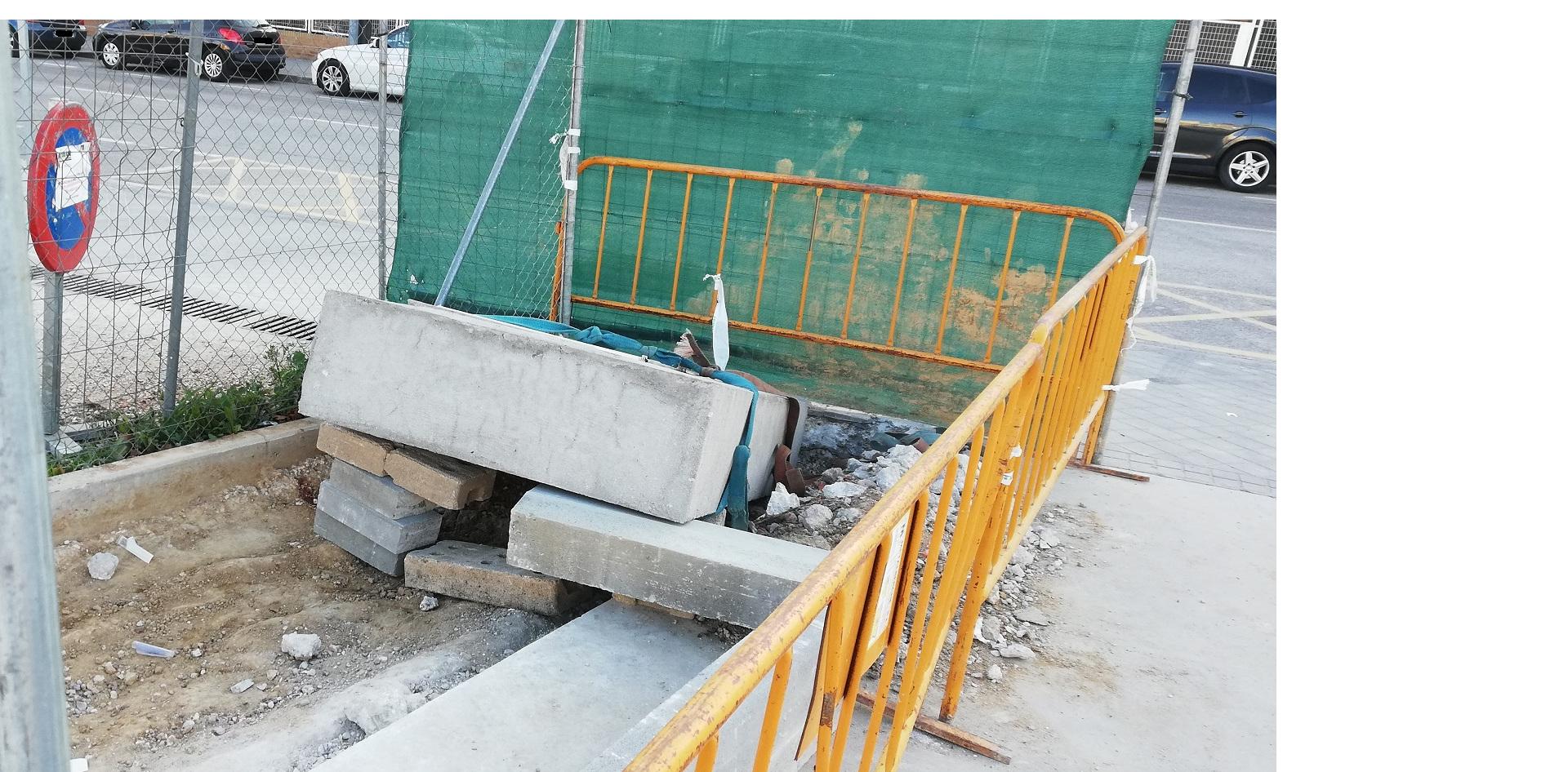 Teleboadilla. Obras de aparcamiento del Centro de Salud Infante Don Luis De Borbóny Centro de Mayores de la calle Secundino, blo Suazo, bloque hormigón caido