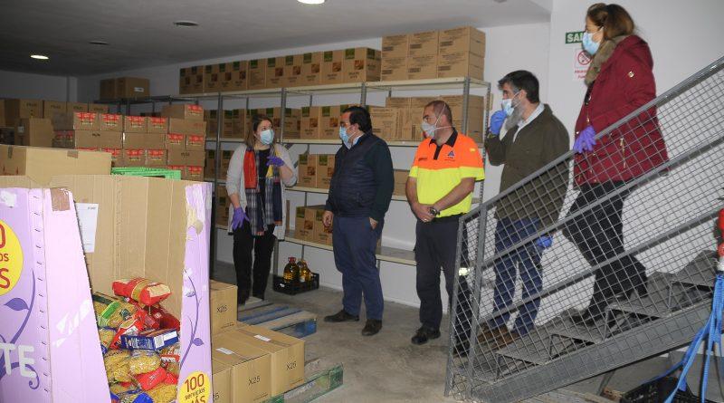 eleboadilla. Donación y reparto de comida por Protección Civil
