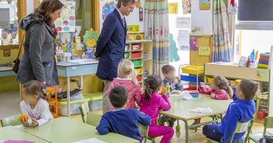 El Alcalde visita el campamento en inglés de la Concejalía de Educación