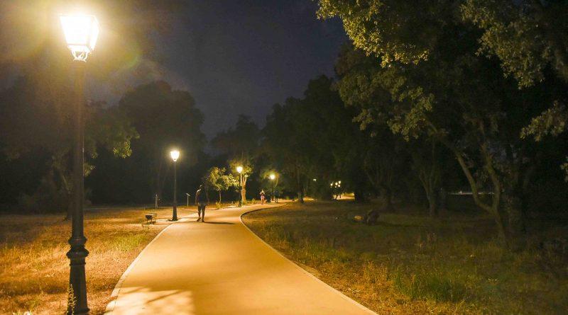 Luminarias tipo LED para sustituir la ilumnación en el Paseo del Arroyo de la Fresneda