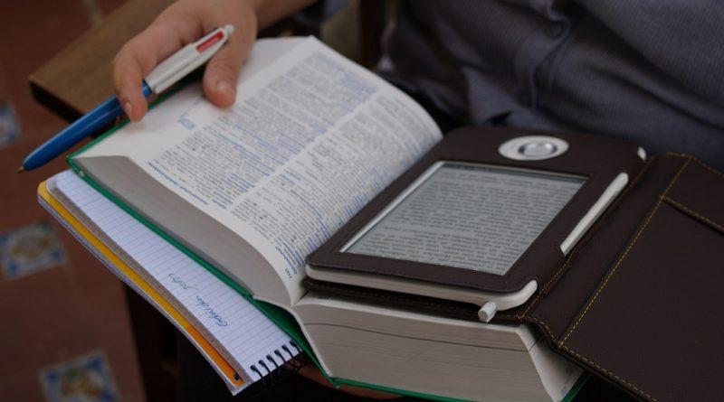 Libros electrónicos en bibliotecas
