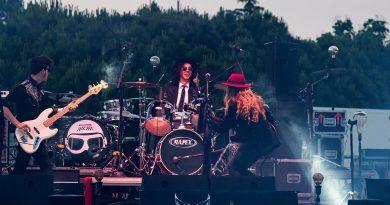 El Ayuntamiento ofrece a los grupos de rock locales participar en elB0ar0ck,primer festival de música 0´0 en el panorama nacional
