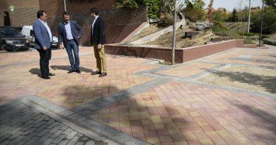 El Ayuntamiento acondiciona la zona de Las Eras donde se soterró el centro de transformación