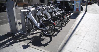 El Ayuntamiento recuerda las sanciones por el mal uso de las bicicletas eléctricas de alquiler