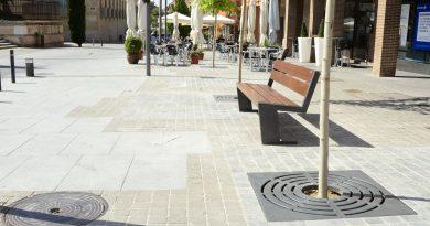 Finalizadas las obras de mejora en la plaza de la Cruz