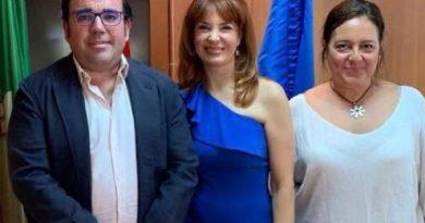 La Asociación de Mujeres Separadas y Divorciadas con el alcalde de Boadilla del Monte.2