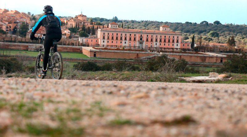 Teleboadilla. Ciclista en el Monte de Boadilla