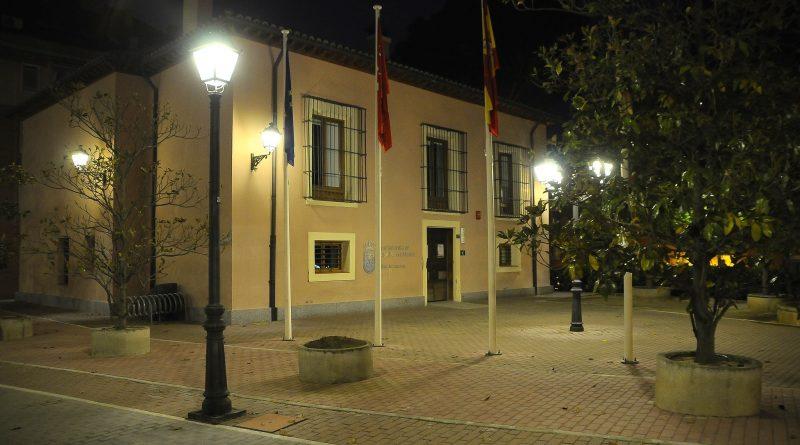 Teleboadilla. El Ayuntamiento renueva 50 luminarias en la plaza de La Millonaria