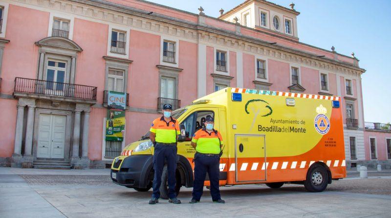 Teleboadilla. Operarios de la ambulancia municipal de Boadilla del Monte