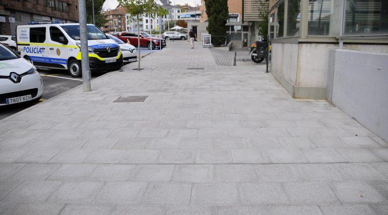 Teleboadilla. Remodelación de la acera en la calle Juan Carlos I